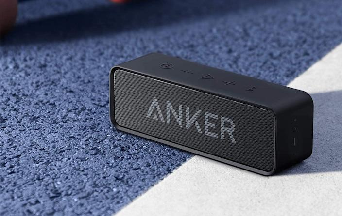 Amazon Canada shoppers are raving about the affordable Anker SoundCore Bluetooth Speaker. Image via Amazon.