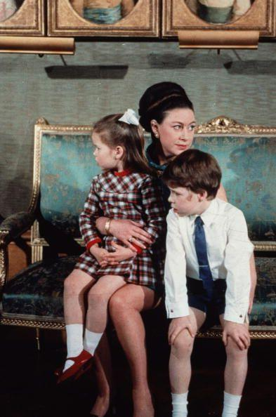 <p>Princess Margaret poses with her children Lord Linley and Lady Sarah Armstrong-Jones.</p>