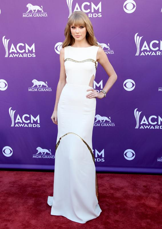 TAYLOR SWIFT, Live from the RAM Red Carpet, 47th Annual ACM Awards, Las Vegas, NV