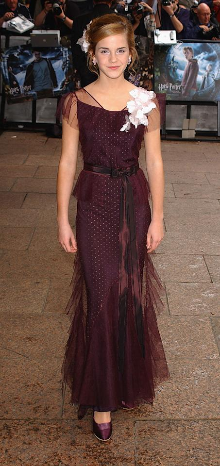 """2004  <a href=""""http://movies.yahoo.com/movie/1808404334/info"""">Harry Potter and the Prisoner of Azkaban</a> London premiere   Talk about the belle of the ball! Her floor length burgundy gown is perfectly paired with matching heels and up-swept hair."""