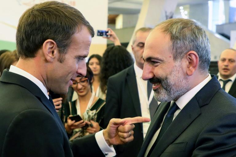 Armenian Prime Minister Nikol Pashinyan (R) has forced to accept the unfavourable terms of the deal overseen by Russia