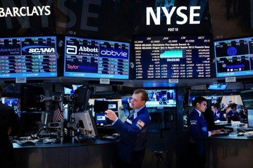 US stocks shrug off fake tweet, gain 1%