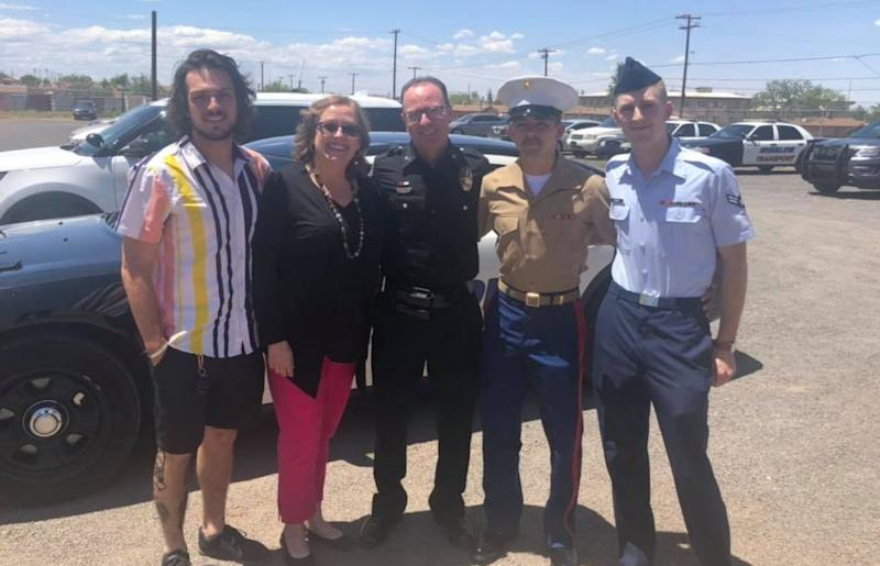 An Arizona police officer radioed into dispatch to sign off after 26 years of service. (Photo: Facebook)