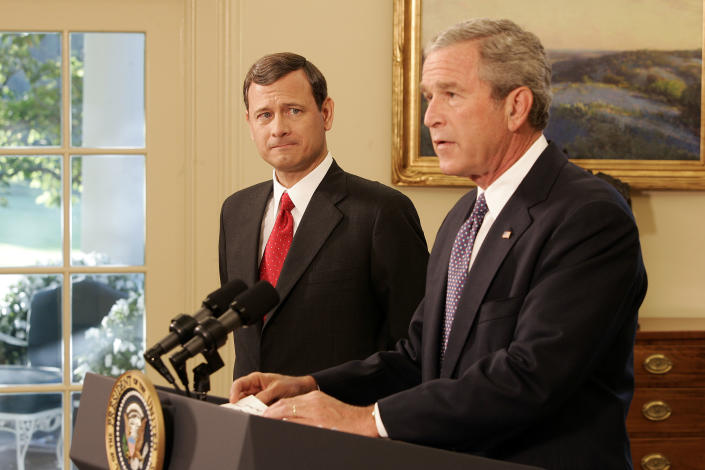 President Bush announces John Roberts as chief justice of the Supreme Court during a statement in the Oval Office on Sept. 5, 2005. (Photo: Chuck Kennedy/Getty Images)