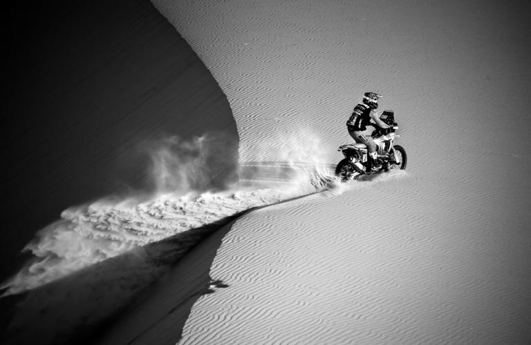 Argentinian biker Kevin Benavides broke his nose after a crash before going on to win stage five of the Dakar Rally