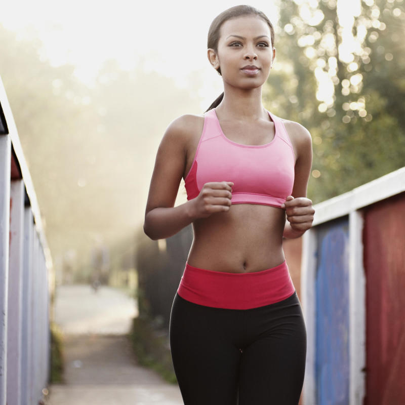 4 Ways to Stay Safe When You're Running Alone