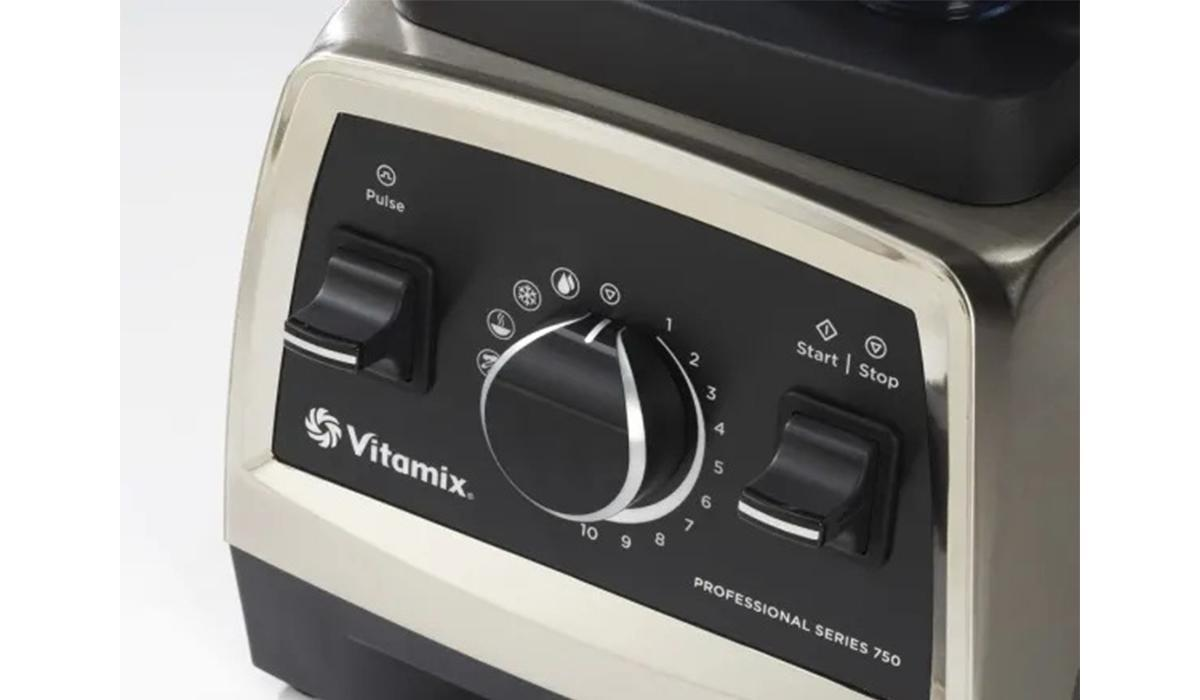 the Vitamix Pro Series 750 has 10 variable speeds and 5 pre-programmed settings (Photo: QVC)