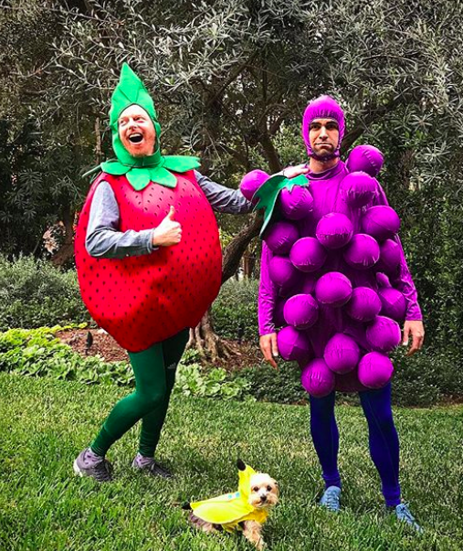 """<p>The <i>Modern Family</i> star and his husband, Justin Mikita, made a healthy choice. The strawberry and bunch of grapes were joined by their dog, which was a banana. (Photo: <a href=""""https://www.instagram.com/p/Ba7q8SMHyFO/?hl=en&taken-by=jessetyler"""" rel=""""nofollow noopener"""" target=""""_blank"""" data-ylk=""""slk:Jesse Tyler Ferguson via Instagram"""" class=""""link rapid-noclick-resp"""">Jesse Tyler Ferguson via Instagram</a>) <br><br></p>"""