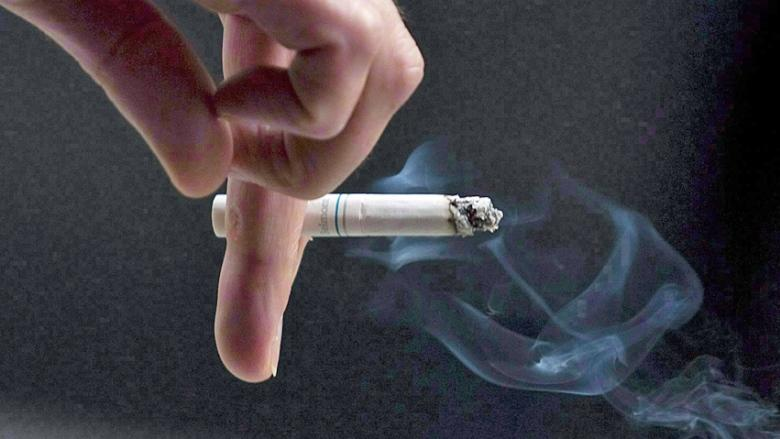 Close workplace smoking ban loopholes, advocacy group urges Alberta government