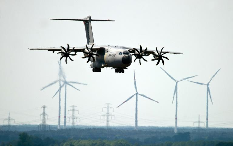 The German air force has found loose bolts on some A440M propellers and refused to take delivery of two new planes