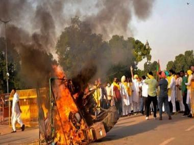 Protests against farm laws intensify in Punjab, Karnataka; tractor set on fire in Delhi, Amarinder Singh stages sit-in agitation