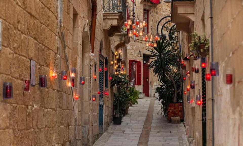 BirguFest shows off the old city by candlelight.