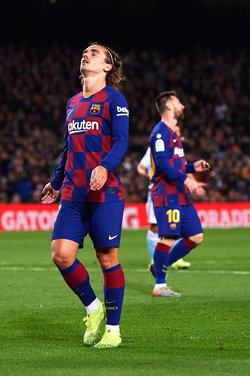 BARCELONA, SPAIN - NOVEMBER 09: Antoine Griezmann of FC Barcelona reacts during the La Liga match between FC Barcelona and RC Celta de Vigo at Camp Nou stadium on November 09, 2019 in Barcelona, Spain. (Photo by Alex Caparros/Getty Images)