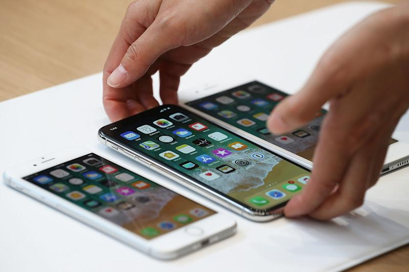 Samsung, Sharp and others tumble on report Apple is producing its own screens