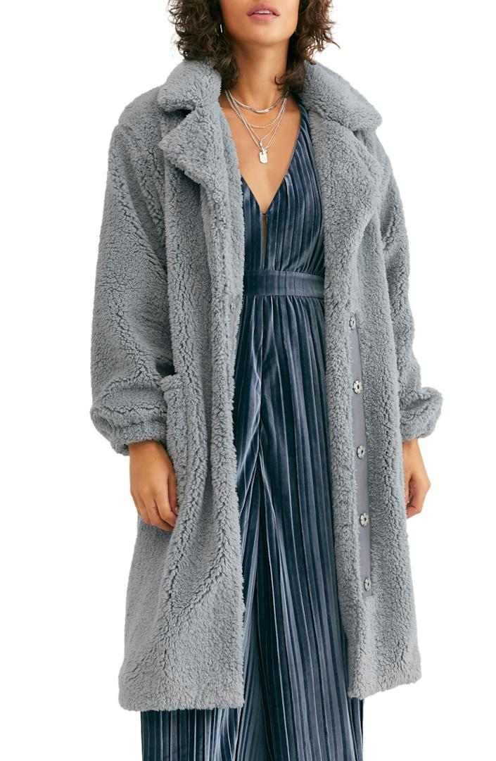 """<br> <br> <strong>Free People</strong> Tessa Teddy Coat, $, available at <a href=""""https://go.skimresources.com/?id=30283X879131&url=https%3A%2F%2Fwww.nordstrom.com%2Fs%2Ffree-people-tessa-teddy-coat%2F5444750"""" rel=""""nofollow noopener"""" target=""""_blank"""" data-ylk=""""slk:Nordstrom"""" class=""""link rapid-noclick-resp"""">Nordstrom</a>"""
