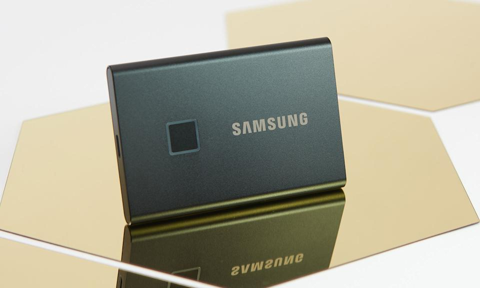 Holiday Gift Guide: Samsung T7 SSD