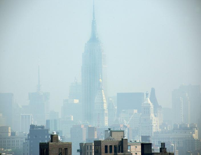 Smog covers midtown Manhattan in New York City on July 10, 2007.