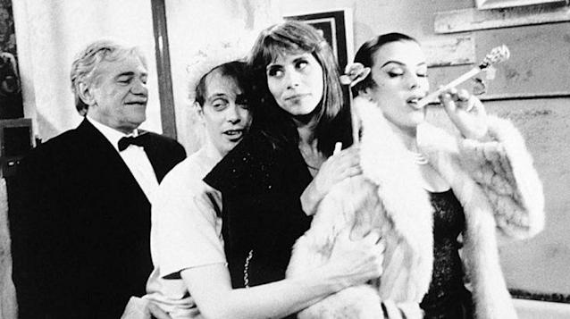 Cassel, Buscemi, Elizabeth Bracco and Debi Mazer in 'In the Soup' (Photo: Courtesy of Alexandre Rockwell)