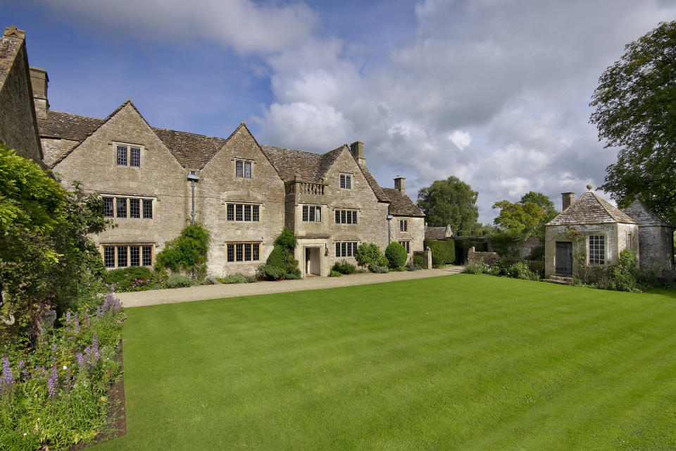 The manor has 11 bedrooms. (Savills)