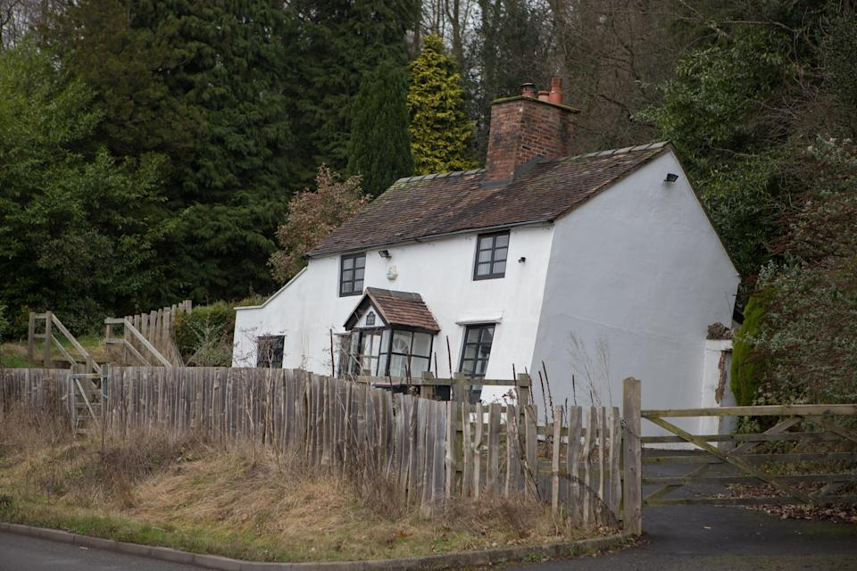 Lloyds Cottage in Jackfield, Shropshire is a unique two-bedroom cottage on the banks of the River Severn, infamous due to its extreme incline.