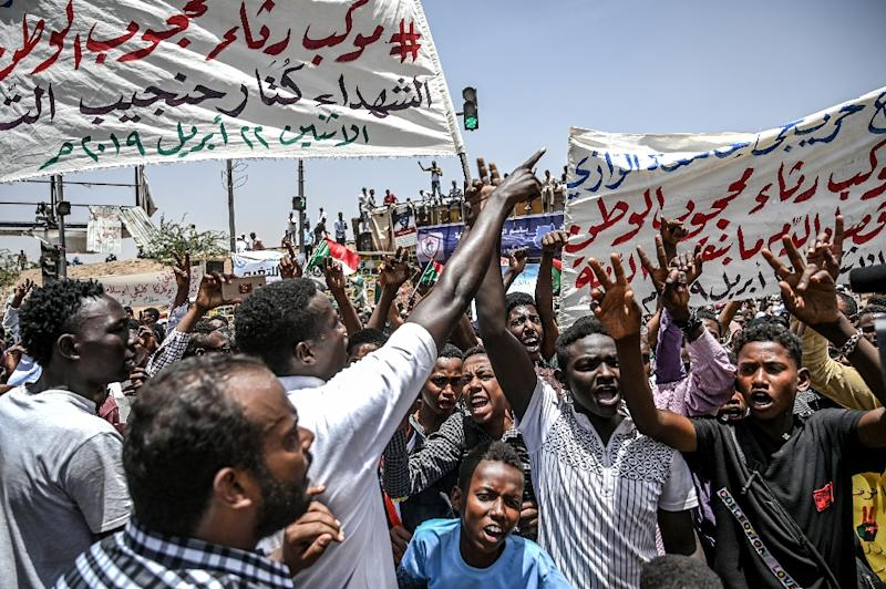 Despite the ousting of long-time leader Omar al-Bashir, Sudanese protesters have kept up their demonstrations calling for the military to hand over rule to a civilian government