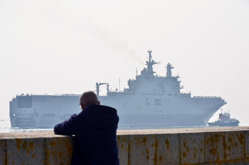 The Sevastopol mistral warship on its way for its first sea trials (AFP Photo/Georges Gobet)