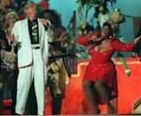 Tony Bennett (L) and Patti LaBelle perform during the haltime show of Super Bowl XXIX in Miami. The San Francisco 49ers are leading the San Diego Chargers 42-18 in the third quarter. (DOUG COLLIER/AFP via Getty Images)