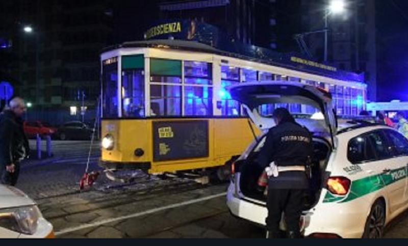 incidente tram milano