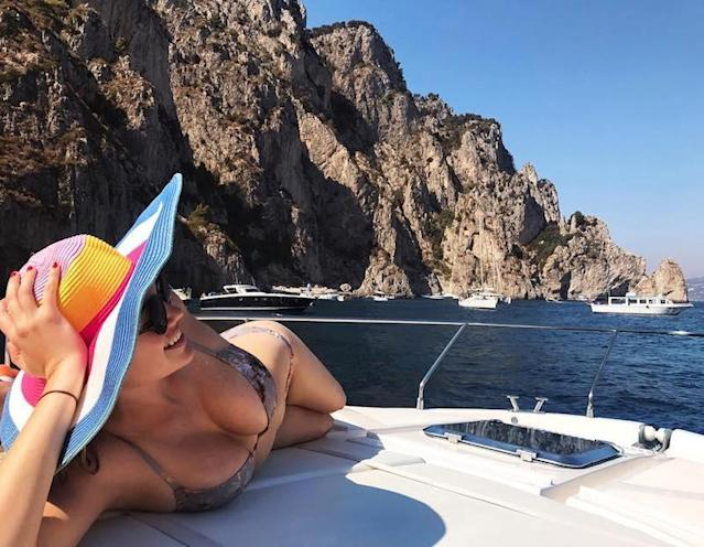 """<p>When in Capri, a barely there suit, oversized hat, and sexy pose are in order. (Photo: <a href=""""https://www.instagram.com/p/BW0ZGJ2ja2K/?taken-by=kateupton&hl=en"""" rel=""""nofollow noopener"""" target=""""_blank"""" data-ylk=""""slk:Kate Upton via Instagram"""" class=""""link rapid-noclick-resp"""">Kate Upton via Instagram</a>)<br><br></p>"""