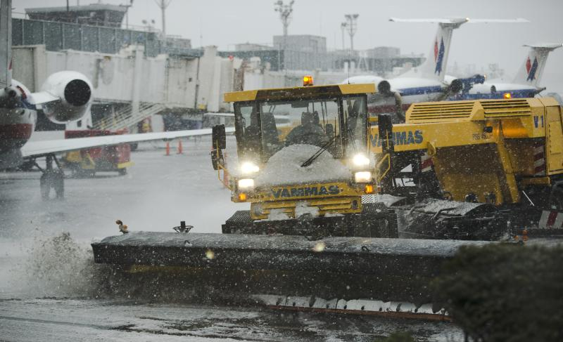 Airports returning to normal after Northeast storm