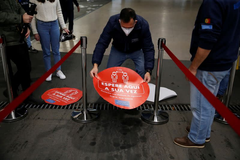 Preparations for Portugal's presidential election amid pandemic peak, in Lisbon