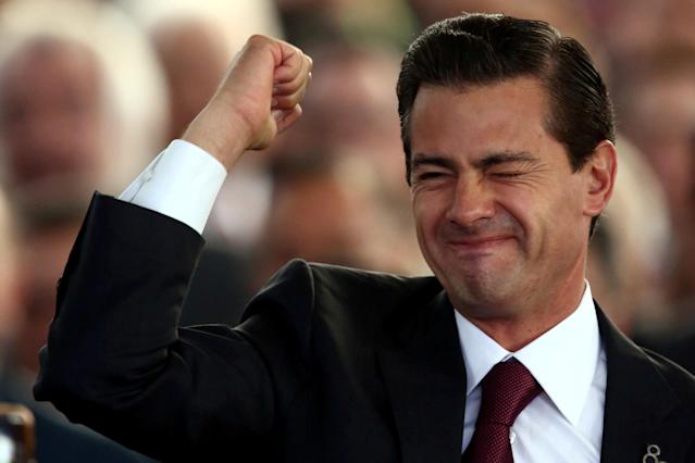 Mexico's President Enrique Pena Nieto gestures during the 80th anniversary of the expropriation of Mexico's oil industry in Mexico City, Mexico March 16, 2018. REUTERS/Edgard Garrido TPX IMAGES OF THE DAY