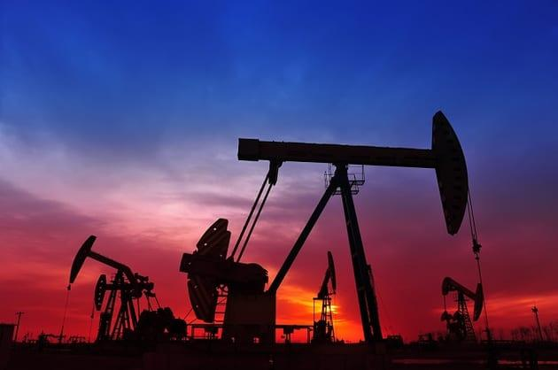 Oil prices nudge up on Chinese economic data