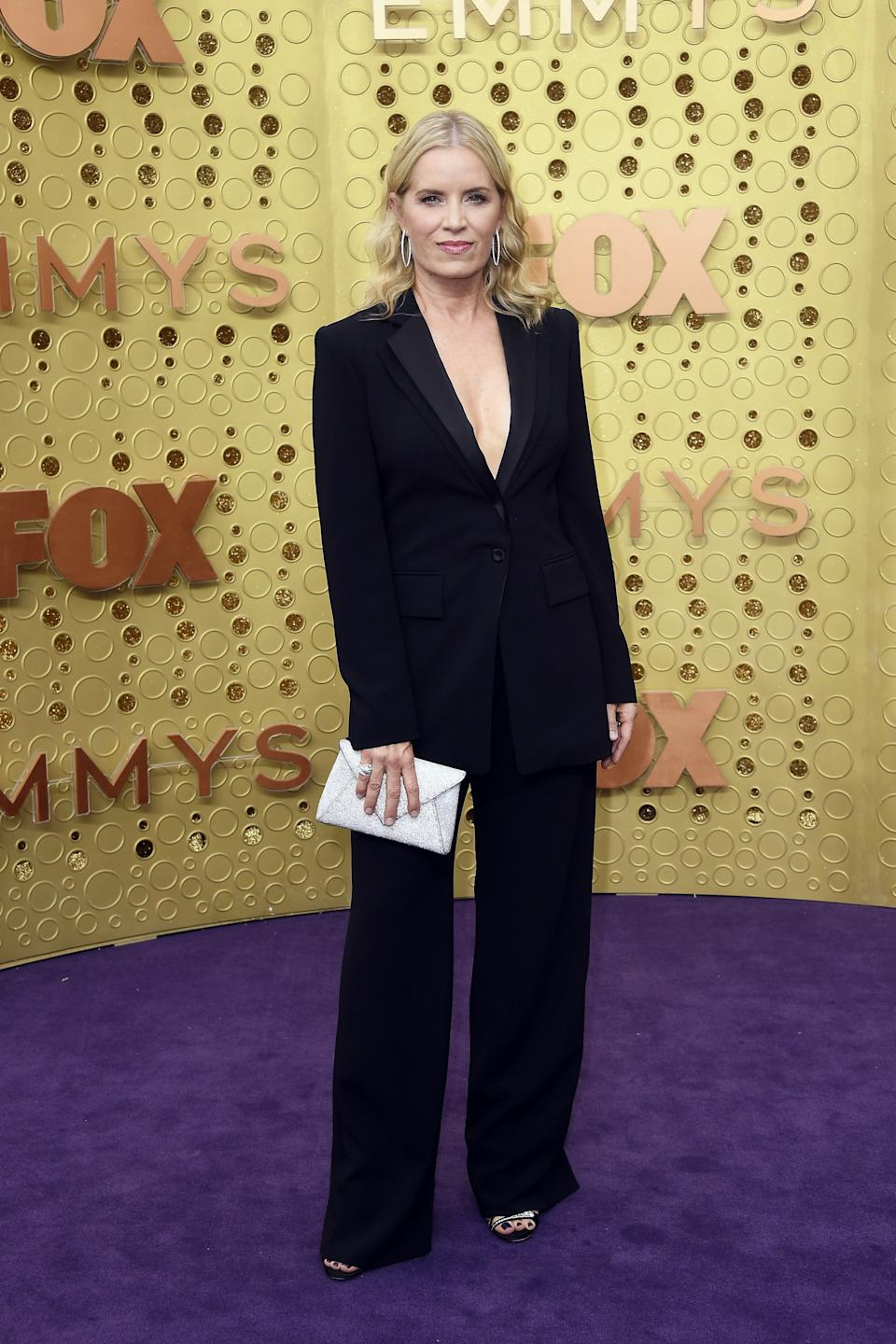 """<h1 class=""""title"""">Kim Dickens in Mémoire jewelry</h1><cite class=""""credit"""">Photo: Getty Images</cite>"""