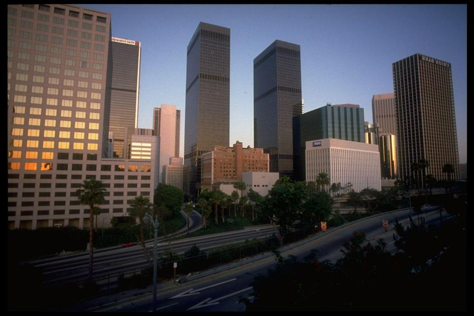 <p>In 1982, the twin towers of Los Angeles, the City National Tower and the Paul Hastings Tower celebrated their 10th anniversary. To this day, they stand as the tallest twin towers in the city.</p>