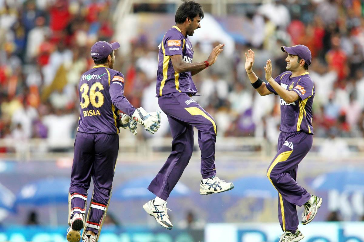 Lakshmipathy Balaji of Kolkata Knight Riders celebrates after getting AB de Villiers of the Royal Challengers Bangalore wicket with Kolkata Knight Riders captain Gautam Gambhir during match 60 of the Pepsi Indian Premier League between The Kolkata Knight Riders and the Royal Challengers Bangalore held at the JSCA International Stadium Complex, Ranchi, India on the 12th May 2013. (BCCI)