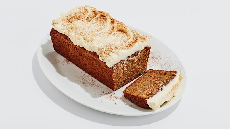 For sake of neatness and deliciousness, it's better to freeze this carrot loaf unfrosted.