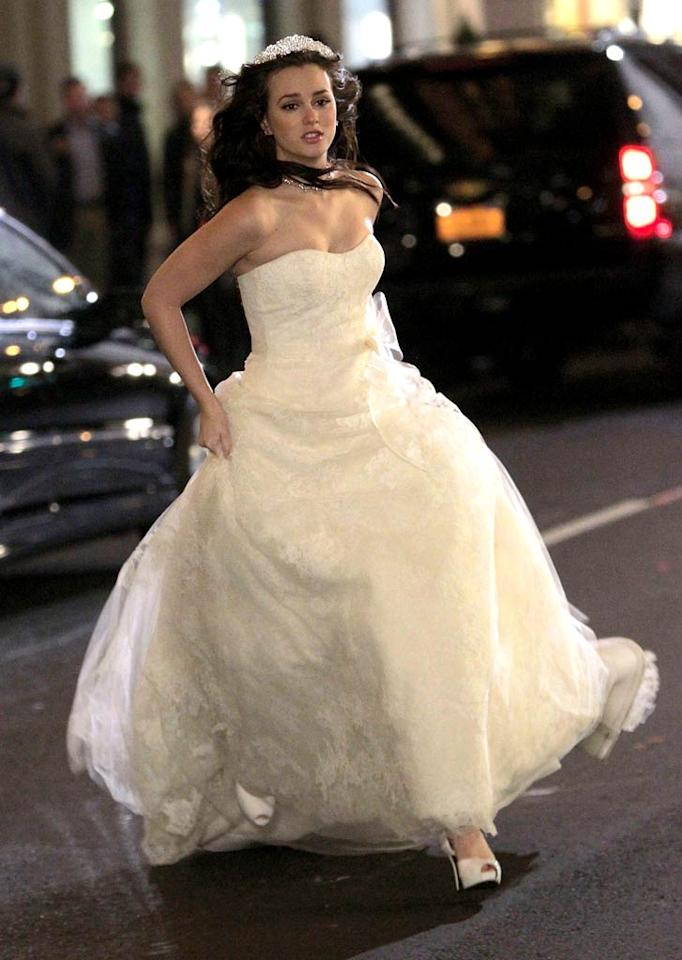 """No, Leighton Meester isn't really getting married, she just played a runaway bride while shooting a scene for her CW teen drama """"Gossip Girl"""" in New York City on Monday. (11/4/2011)"""