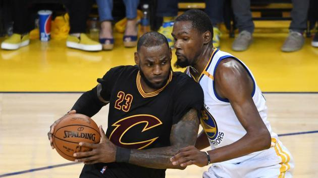 <p>Kevin Durant says he has reached LeBron James's level</p>