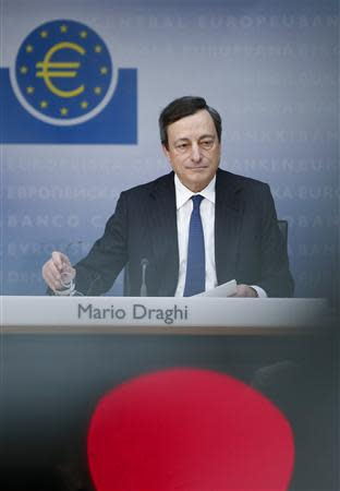 European Central Bank (ECB) President Mario Draghi attends the monthly ECB news conference in Frankfurt December 6, 2012. REUTERS/Lisi Niesner