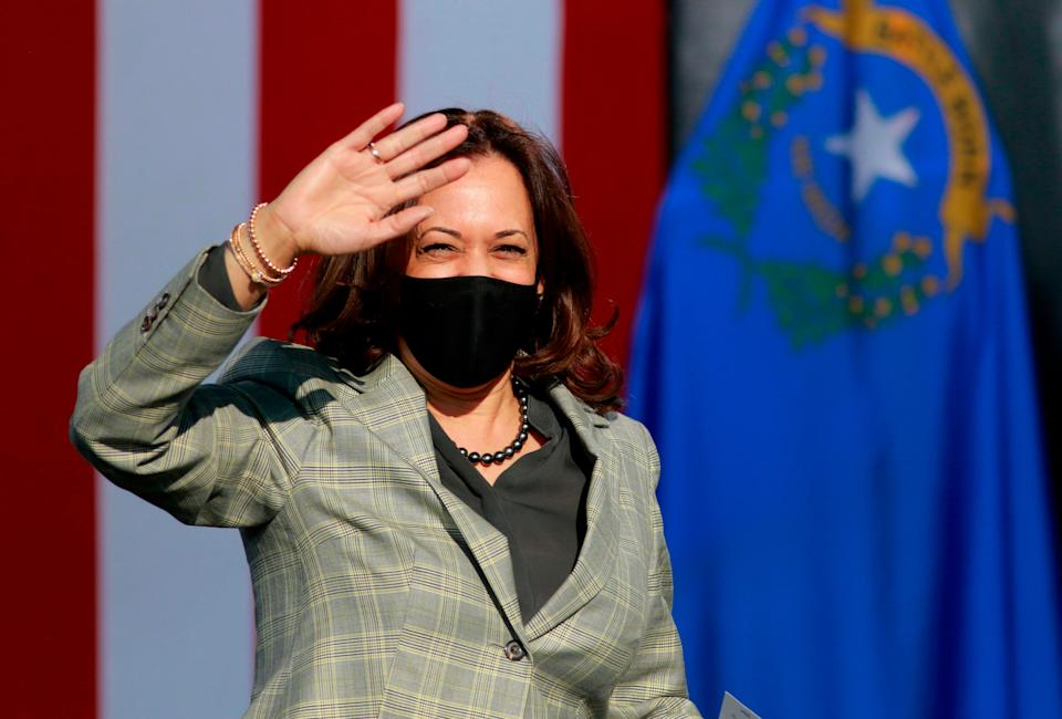 """Who is Kamala Harris? The senator from California and Democratic vice presidential nominee meetsUS Vice President<a href=""""https://www.huffingtonpost.com.au/news/mike-pence/"""" data-rapid-elm=""""context_link"""" data-ylk=""""elm:context_link;itc:0"""" data-rapid-sec=""""{""""entry-text"""":""""entry-text""""}"""" data-rapid-itc=""""0"""" data-rapid_p=""""1"""" data-v9y=""""1"""">Mike Pence</a>for a debate on Thursday. (Photo: RONDA CHURCHILL via Getty Images)"""