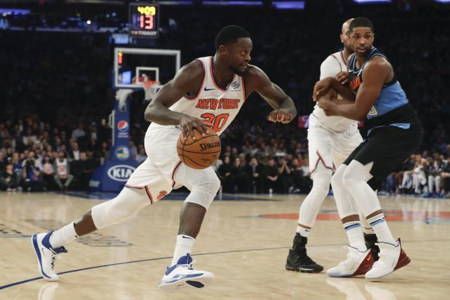 Things aren't going as planned for Julius Randle and the Knicks. (AP/Frank Franklin II)