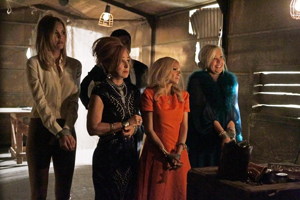 "<b>""GCB""</b><br><br>Sunday, 5/6 at 10 PM on ABC<br><br><a href=""http://yhoo.it/IHaVpe"">More on Upcoming Finales </a>"
