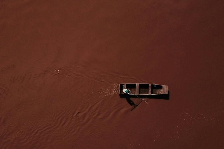 """So contaminated is the tributary to the Sao Francisco River says fisherman Jose Geraldo dos Santos, that he has been advised to not even """"step in the mud"""""""