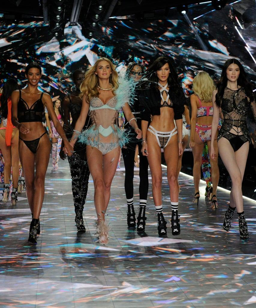 """VICTORIA'S SECRET FASHION SHOW HOLIDAY SPECIAL – Victoria's Secret's legendary Angels take to the runway for the 2018 Victoria's Secret Holiday Special, showcasing an all-star lineup of musical guests, including Bebe Rexha, The Chainsmokers, Halsey, Kelsea Ballerini, Rita Ora, Shawn Mendes and The Struts. Merging fashion, fantasy and entertainment, """"The Victoria's Secret Fashion Show Holiday Special"""" will air SUNDAY, DEC. 2 (10:0011:00 p.m. EST), on The Walt Disney Television via Getty Images Television Network. (Jeff Neira via Getty Images) VICTORIA'S SECRET FASHION SHOWS"""