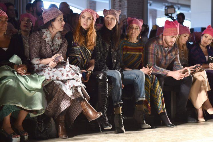 Missoni gave audience members pussy hats so they could show their solidarietà, too. (Photo: Getty Images)
