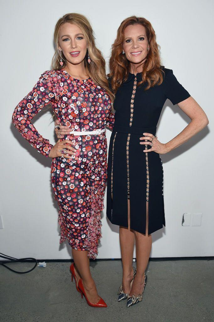 <p><em>Gossip Girl </em>star Blake Lively is half-sisters with actress Robyn Lively, best known for her roles in <em>Teen Witch, </em><em>Twin Peaks</em>, and <em>Saving Grace</em>.</p>