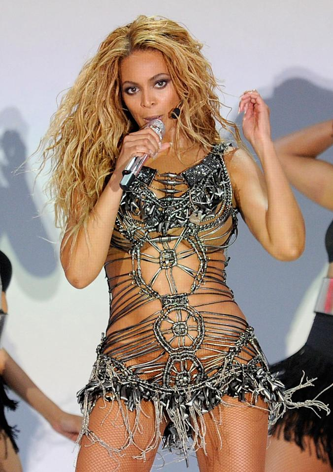Beyonce Rarely does Beyonce have a fashion miss, but this outfit made the stunning singer look like a human dream catcher. The barely-there dress, while an awesome idea, turned a dream into a fringy, frayed, macramed nightmare.