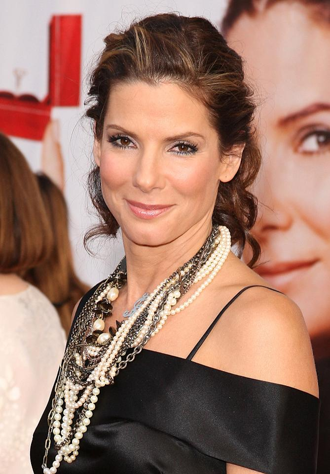 "<a href=""http://movies.yahoo.com/movie/contributor/1800018970"">Sandra Bullock</a> at the Los Angeles premiere of <a href=""http://movies.yahoo.com/movie/1810012112/info"">The Proposal</a> - 06/01/2009"