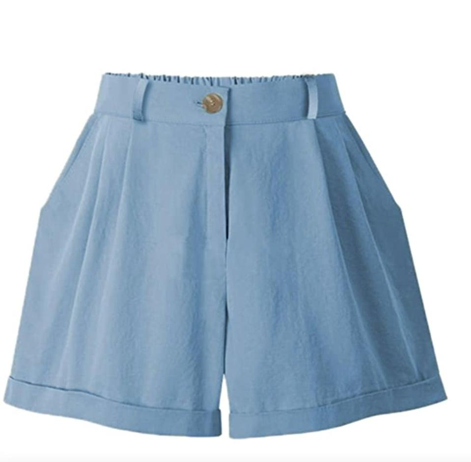 <p>We're into the sporty and relaxed vibe of these <span>Vcansion Cotton Chino Cargo Shorts</span> ($20). </p>